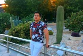 Murad, 21 - Just Me