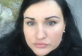 veronika, 37 - Just Me