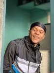 Uri, 21  , Libreville
