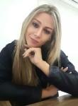 Sarah, 27, Fountain Valley