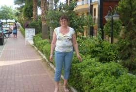 elena, 60 - Just Me