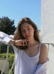 Mila Novikova, 26, Paris