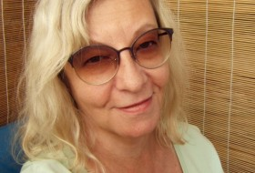 * O l ya *, 61 - Just Me