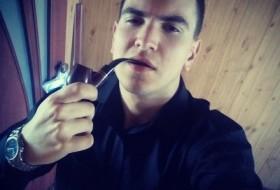 Oleg, 19 - Just Me