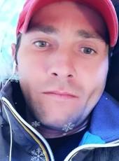 Helgut Dumitru , 32, Romania, Bucharest