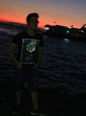 Mete Yavuz, 23, Turkey, Izmir