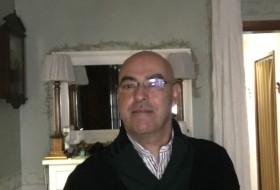 Agus, 51 - Just Me