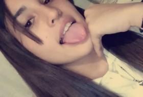 Agustina , 18 - Just Me