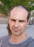 Roman, 43  , Enschede