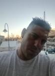 Gionatan , 37, Luino