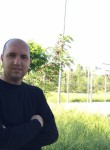 Besnik, 32  , Tirana