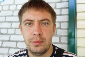 Andrey , 29 - Just Me