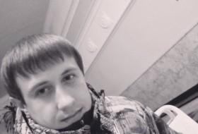 Artur, 22 - Just Me