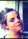 Elodie, 24  , Niort