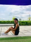 Lang, 25, Canada de Gomez