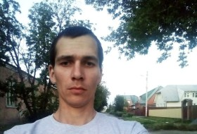 Andrey , 25 - Just Me