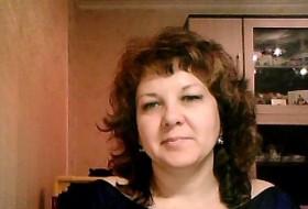 Lana, 44 - Just Me