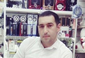 Akber, 37 - Just Me