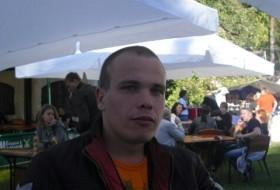 Aleks, 34 - Just Me
