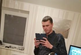 Dmitriy, 24 - Just Me
