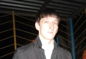 Vlad, 32 - Just Me