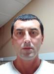 Rustem, 25  , Tema