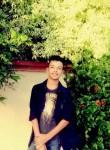 Hamza, 18  , Tunis