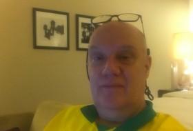 kari, 55 - Just Me