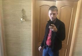 Nicolas, 26 - Just Me