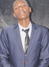 Míké, 21, Zambia, Lusaka