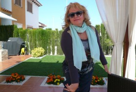 lucia, 58 - Just Me