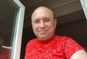 Ashot, 58 - Just Me