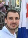 Roman, 37  , Tarko-Sale