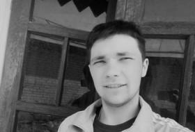 Vitya, 21 - Just Me