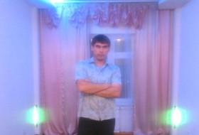 aziz, 39 - Just Me