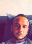 tony, 33  , Romainville