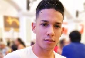 Carlos Alberto, 27 - Just Me