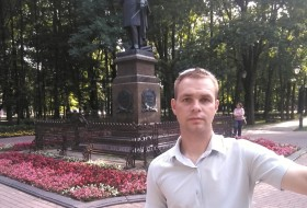 Anton , 31 - Just Me