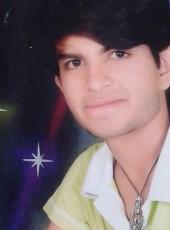 Kunal, 18, India, Nashik