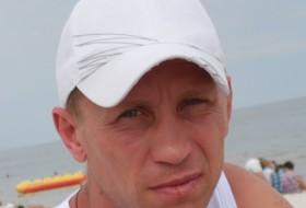 Igor, 45 - Just Me