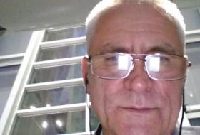 Leonid, 59 - Just Me