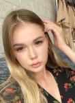 Leyla, 22  , Moscow