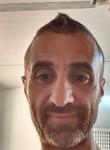 علي, 40  , Rishon LeZiyyon