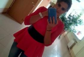 Tamara, 18 - Just Me