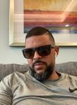 Enrique, 38, Bradenton