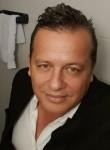 Jota, 45, Medellin