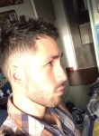 Romain, 23  , Decines-Charpieu