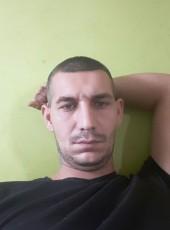 Zoli, 29, Hungary, Pecs