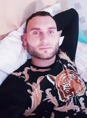 Deniss, 28, Spain, Almendralejo