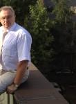 Анатолий, 64 года, Москва